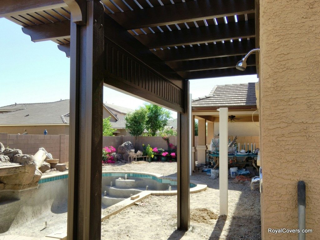 Choosing Alumawood colors to accent your home in Gilbert, AZ.